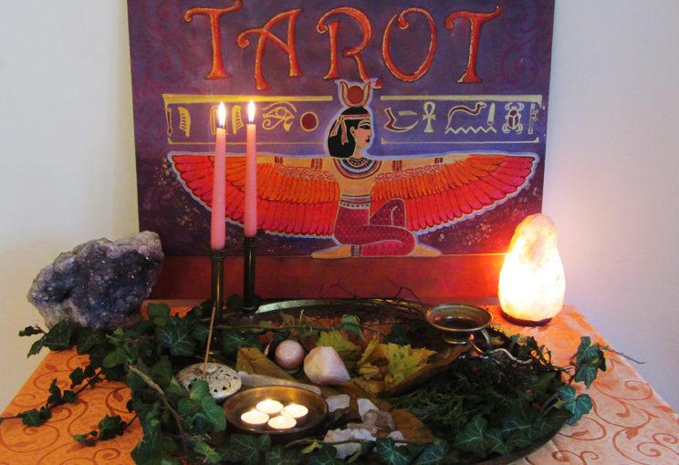 altar-isis-tarot